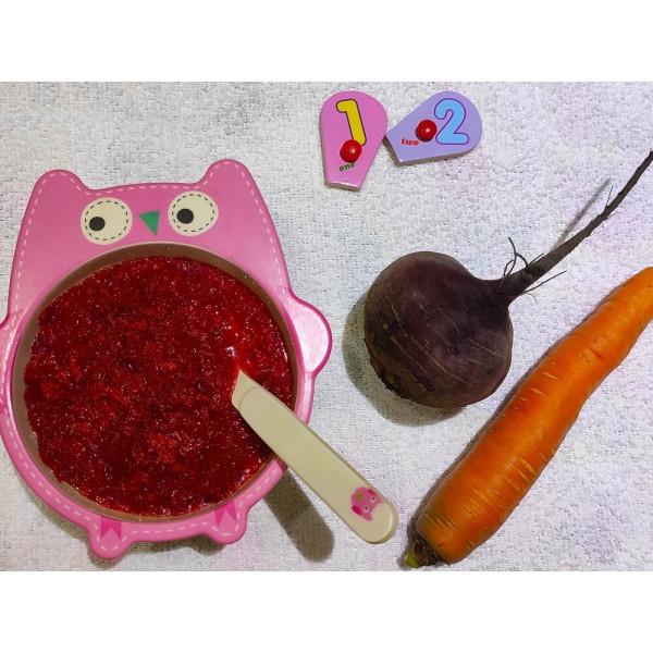 Мясо, тушеное со свеклой, морковью и сметаной для детей после года
