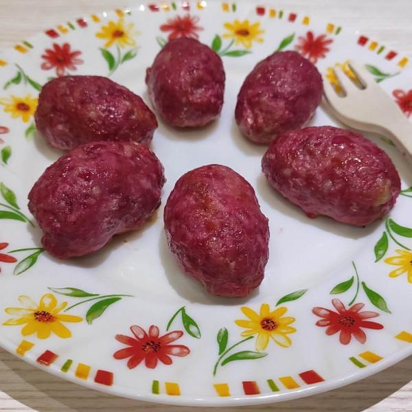 Котлети з фаршу та буряку без яйця, запечені в духовці.