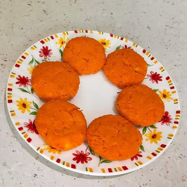 Моркв'яні котлети з адигейським сиром