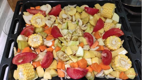 Курча, запечене з овочами для  всієї сім'ї