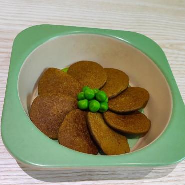 Оладьи с печени и зеленого горошка для детей до года и после года
