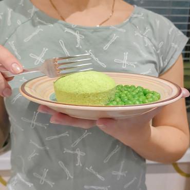 Рецепт овочевого омлету з зеленим горошком та цвітною капустою на пару для дітей