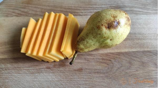 Фруктове пюре з гарбуза та груші для дітей до року та після року