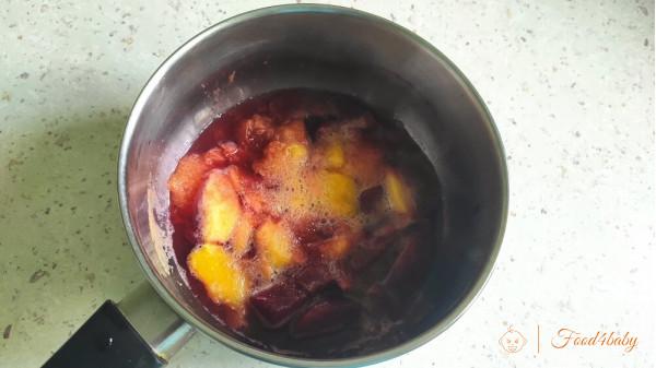 Фруктове пюре з персика та сливи