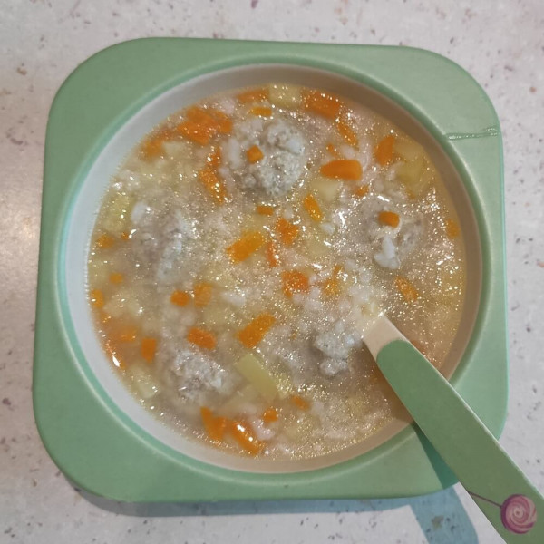Рисовий суп з рибними фрікадельками