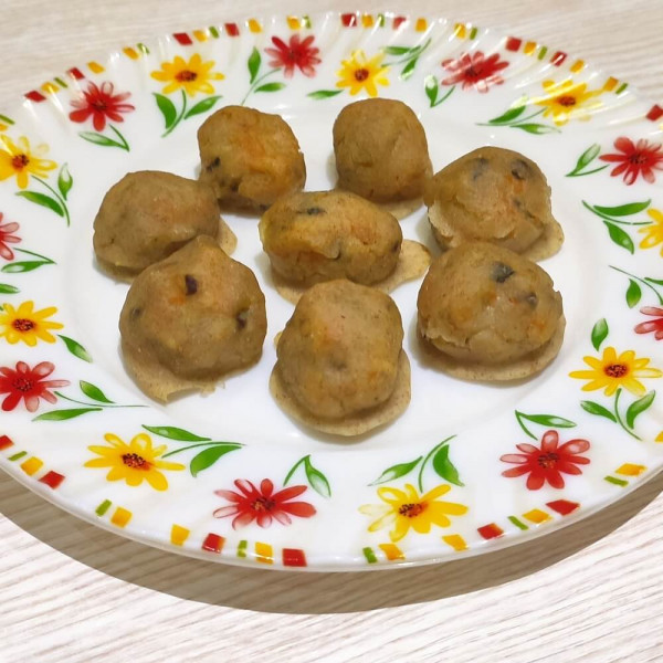 Рецепт шариков из рыбы и овощей без яиц в духовке для детей
