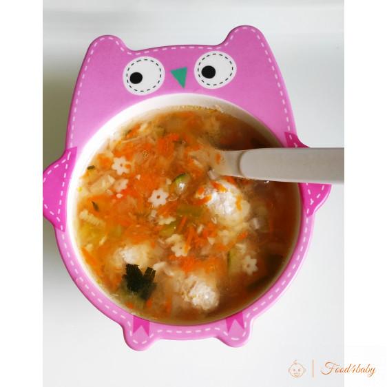 Суп з дитячими макарошками та фрікадельками