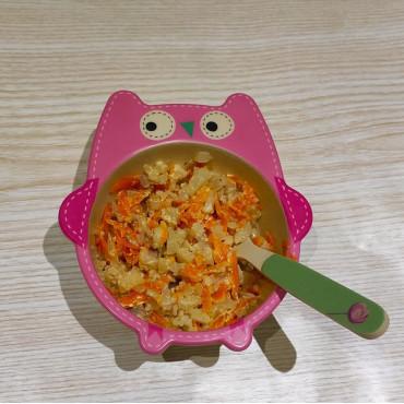 Цвітна капуста тушкована зі сметаною та морквою